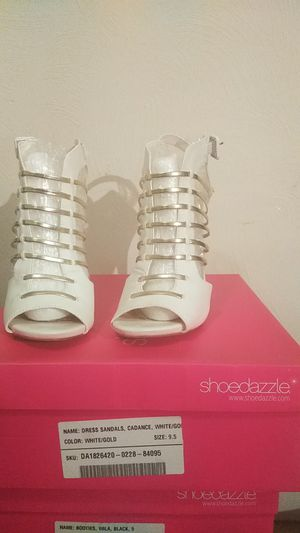Shoedazzle white/gold 9.5 fits like 9 for Sale in Rankin, PA