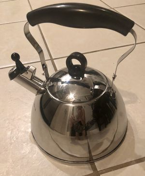 Stainless Steel Tea Pot Kettle w/Lid for Sale in Miami, FL