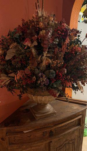 Dried Natural flower arrangement for Sale in Glendale, AZ