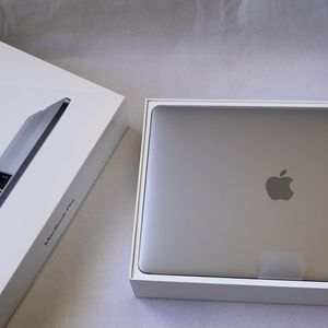 """2019 MacBook Pro W/Touch Bar Fast Quad Core I5 Retina Same Speed As 2020 1.4GHz 13"""" for Sale in Irvine, CA"""