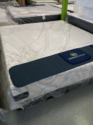 Serta perfect sleeper Cali king 50 down same day delivery for Sale in Columbus, OH