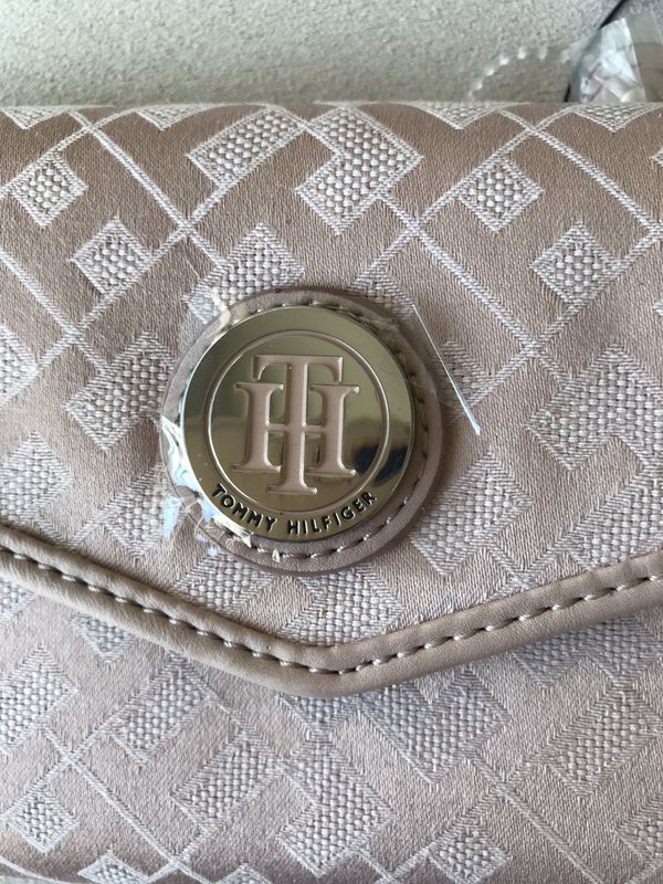 Tommy Hilfiger Pink Wallet NWT