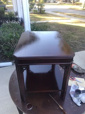 Wood end table, 22 inches tall, 26 inches long, 20 wide for Sale in Orlando, FL