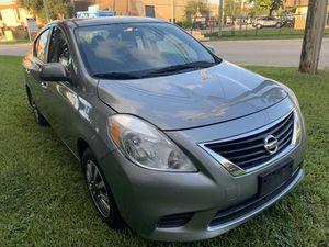 2012 Nissan Versa sv for Sale in Miami, FL