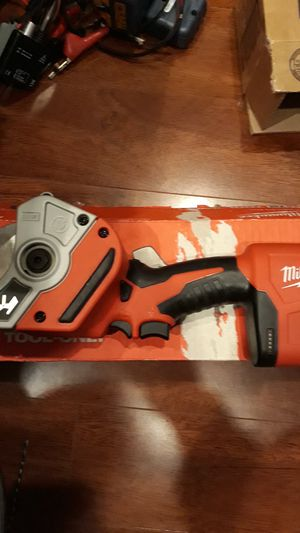 Milwaukee m12 platic pipe shear...tool only for Sale in Carson, CA