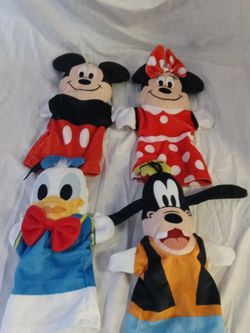 Melissa and doug Disney baby hand puppets Mickey Minnie Goofy Donald duck for Sale in Huttonsville,  WV