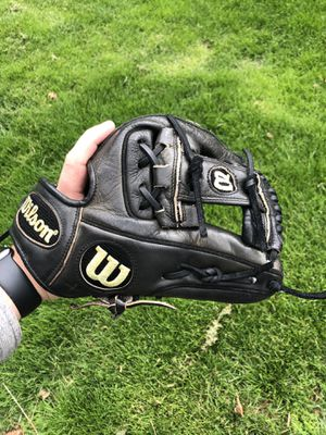 Wilson a2000 pro stock 11.25 Baseball Glove for Sale in St. Charles, IL