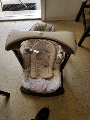 Baby swing folding and portable for Sale in Hollywood, FL