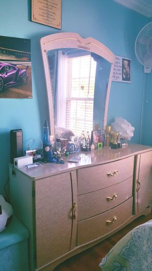 Dressing table with glass and 3 shelves for Sale in Chantilly, VA
