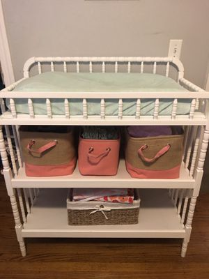 Changing Table (white) for Sale in San Mateo, CA