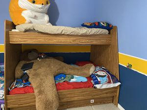Twin over full bunk bed for Sale in Tavares, FL