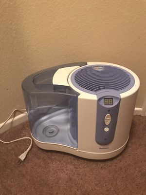 Holmes Cool Mist Comfort Humidifier with Digital Control Panel for Sale in Las Vegas, NV
