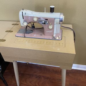 Antique Sewing Machine for Sale in Rancho Cucamonga, CA