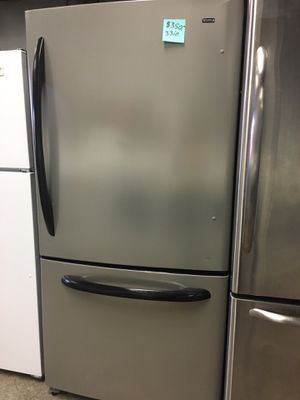 Kenmore stainless steel bottom freezer fridge in excellent condition for Sale in Baltimore, MD