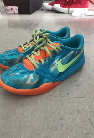 Size 5 Nike kobe Basketball Shoes for Sale in Miami, FL