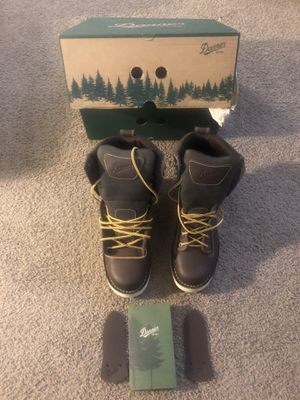 """Danner Quarry USA Men's 8"""" Brown Wedge Boots with GORE-TEX, Size 8.5 EE (Wide), Brand New, Waterproof, Made in USA !!! for Sale in Lacey, WA"""