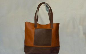 Women's leather tote bag for Sale in Takoma Park, MD