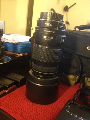 CANON EF 70-300mm f/4-5.6 IS Telephoto lens for Sale in Florida City, FL
