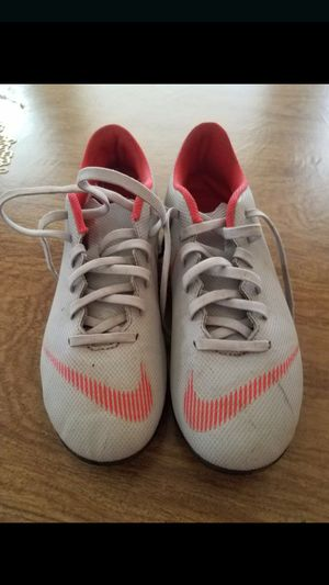 Soccer shoes size 5 for Sale in Arlington, TX