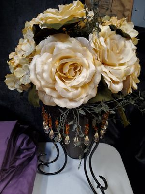 Beautiful Floral Arrangement for Sale in Pendleton, IN