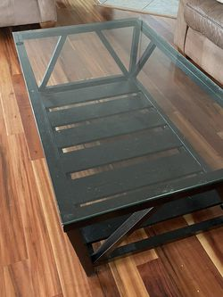 Glass Coffee Table for Sale in Strongsville,  OH