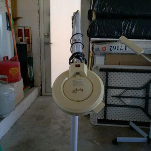 Magnifier Lamp for Sale in Miami, FL