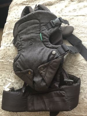 Baby carrier for Sale in Altamonte Springs, FL