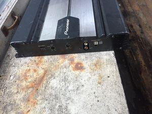 800W pioneer Amp for Sale in Detroit, MI