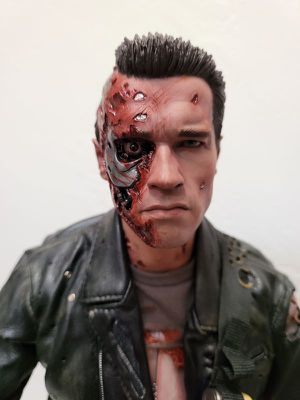 Enterbay Battle Damaged Version Terminator 2 T-800 HD Masterpiece Action Figure for Sale in San Diego, CA