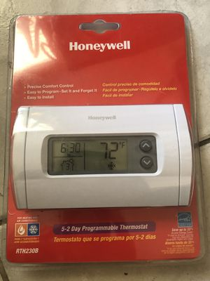 Honeywell programmable thermostat for Sale in Jacksonville, FL