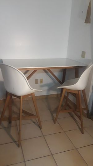 Modern Architect Studio Table with Two Bar Stools for Sale in Miami, FL