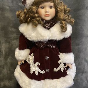 "Beautiful 16"" Porcelain Doll for Sale in Columbia, SC"