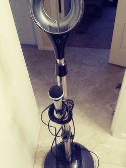 Guitar Amp And Microphone Stand for Sale in Port Charlotte,  FL