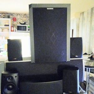 Polk Audio Surround Sound Home Theater System for Sale in Portland, OR
