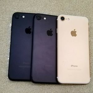 Apple iPhone 7 32gb Unlocked for Sale in SeaTac, WA