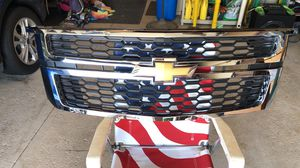 Chevy Tahoe/Suburban 2015-2020 grille for Sale in Tinley Park, IL