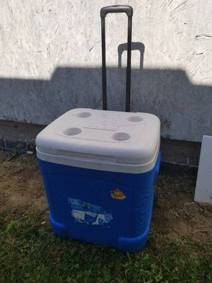 Large Igloo Cooler for Sale in Fredericktown, OH