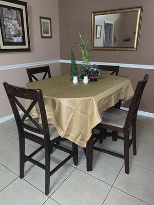 Dining room table set for Sale in Kissimmee, FL