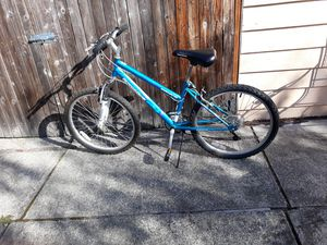 BYCICLE ADULT SIZE SMOOTHLY RIDE FOR SALE for Sale in Bellevue, WA