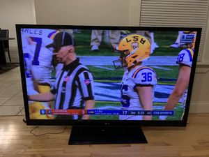 60 inch LG $250 for Sale in Saginaw, MI