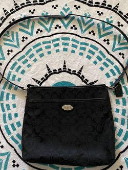 Coach crossbody for Sale in Parlier,  CA