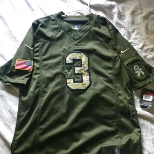 Nike Seattle Seahawks Russel Wilson NFL On-Field Jersey - L for Sale in Tukwila, WA