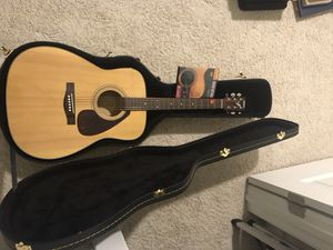 Yamaha Acoustic Guitar (Like New) With Hard Case for Sale in Alexandria, VA