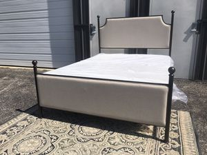 New QUEEN size bed frame ( mattress and box spring NOT included) for Sale in Columbus, OH