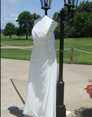 Wedding dress for Sale in Farmer City, IL