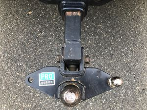 Hitch pro series with sway control bars for Sale in Federal Way, WA