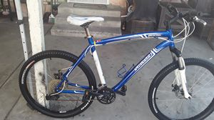 Nice specialized hardrock large frame really clean no scrashes for Sale in San Diego, CA