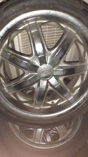 Selling rim's with tire size 17 for Sale in Pomona, CA