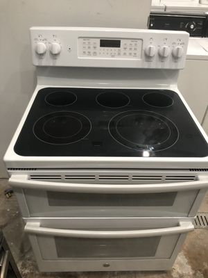 "30"" PEARLY WHITE G.E. CONVECTION DOUBLE OVEN GLASSTOP STOVE for Sale in Lake Worth, FL"