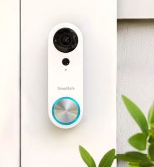 2 security cameras and 1 video doorbell for Sale in Boston, MA
